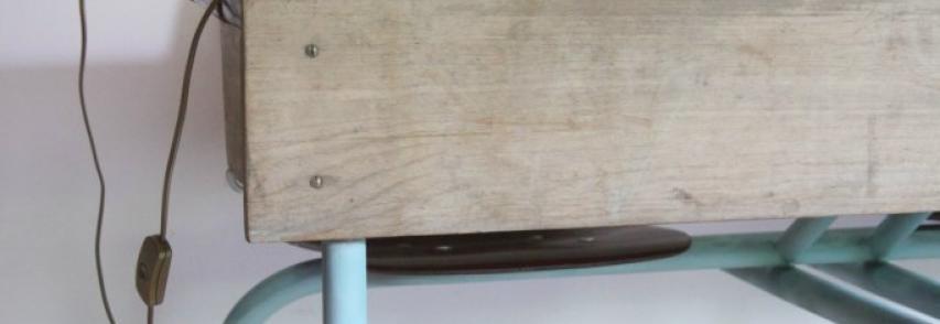 Rénovation d'une chaise ou d'un banc d'école